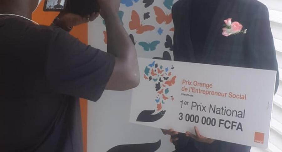 Orange-Ivory Coast Prize for the best social entrepreneur with an average of 13.86/20