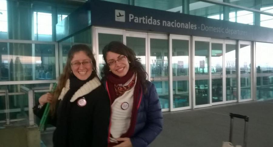 Melisa and Ana at the airport destination Buenos Aires